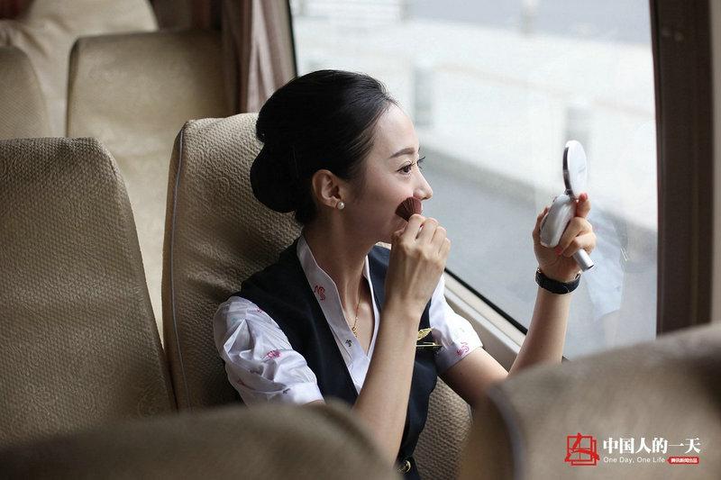 """""""世界最美空姐""""刘苗苗的生活全记录(20张图片)"""
