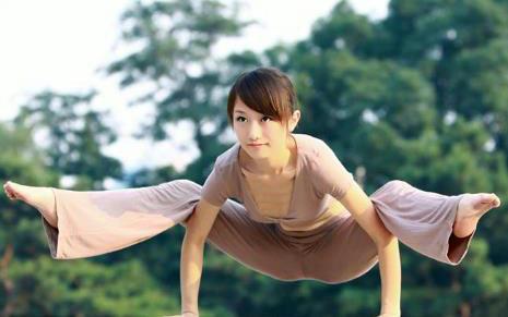 1,瑜伽是一场修行,让处于愚笨状态的身和心通过体式和呼吸的联系更加图片