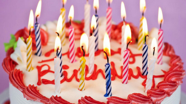 生日蛋糕的句子及生日蛋糕图片大