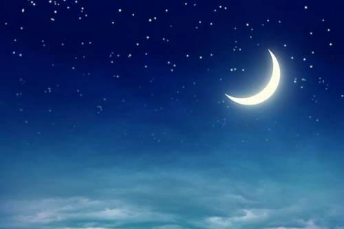 描写月亮的唯美句子及图片,关于