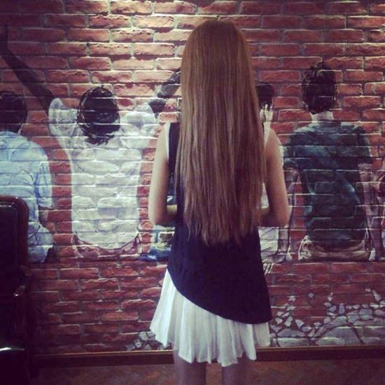 描写背影的句子及图片,女生背影图片唯美长发披肩