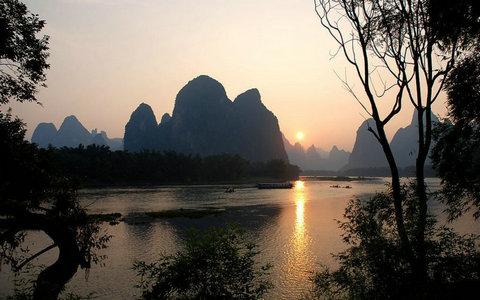 描写桂林山水风景的句子及图片