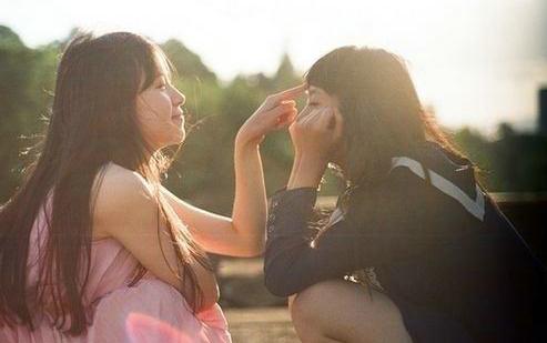 安慰朋友的暖心句子说说心情大全