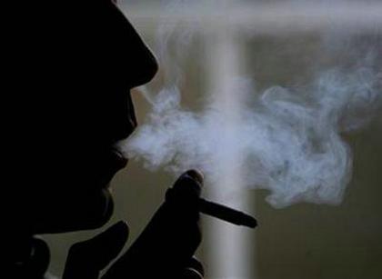 一个人抽烟伤感的说说