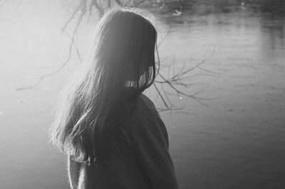 伤感的句子说说心情短语:为什么总是笑,明明该哭的