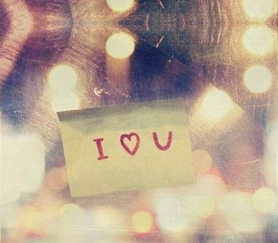 爱情表白最感动的句子:爱情在指
