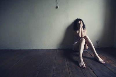忧伤的句子短点的带图片:所谓坚