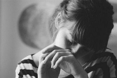 心痛心碎的句子及图片