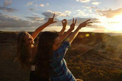 赞美歌颂友情的句子:友情如美酒