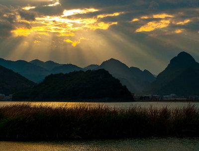赞美祖国壮丽山河的话:五岳山川