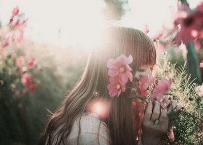 瞬间让人感动的句子:爱一个人会