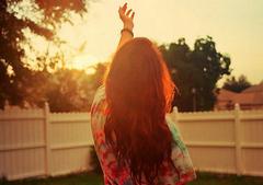 生活积极向上的句子:生活得开心