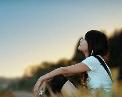 一个人沉默的心情说说及图片,一个人沉默忧伤的句子