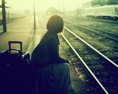 伤感说说心累的句子和图片:心累了,就只有一个人过吧图片