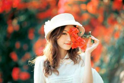 鲜花配美女的句子