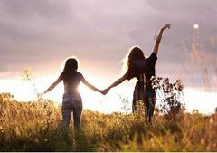 关于珍惜友情的句子:真挚友情贵