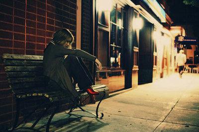 黑夜孤独澳门皇冠娱乐官方网站的句子