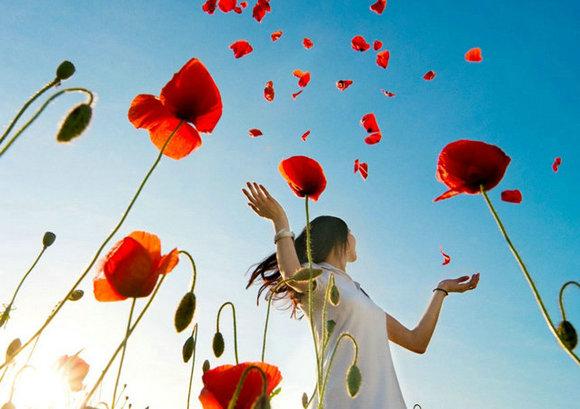 真正的勇气不是压倒一切,而是不被一切压倒