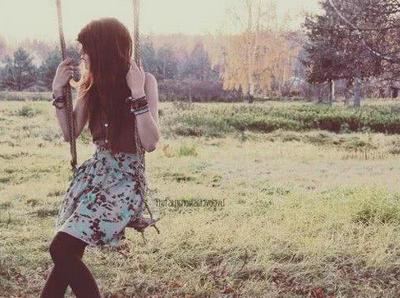 爱情没有谁对谁错 只能怪自己傻
