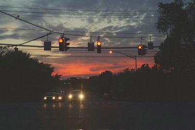 每个闪闪发光的人,都曾熬过一个又一个不为人知的黑夜