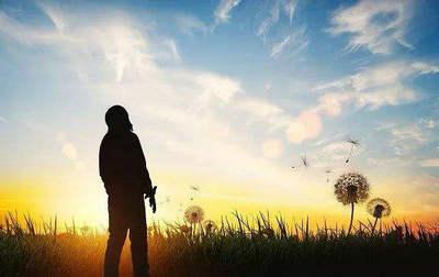 时间是让人猝不及防的东西,但不妨,只要心中坚信,总能抵达阳光明媚的远方2