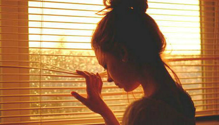 人生到底有多少的�o奈 夜里很容易陷入沉思